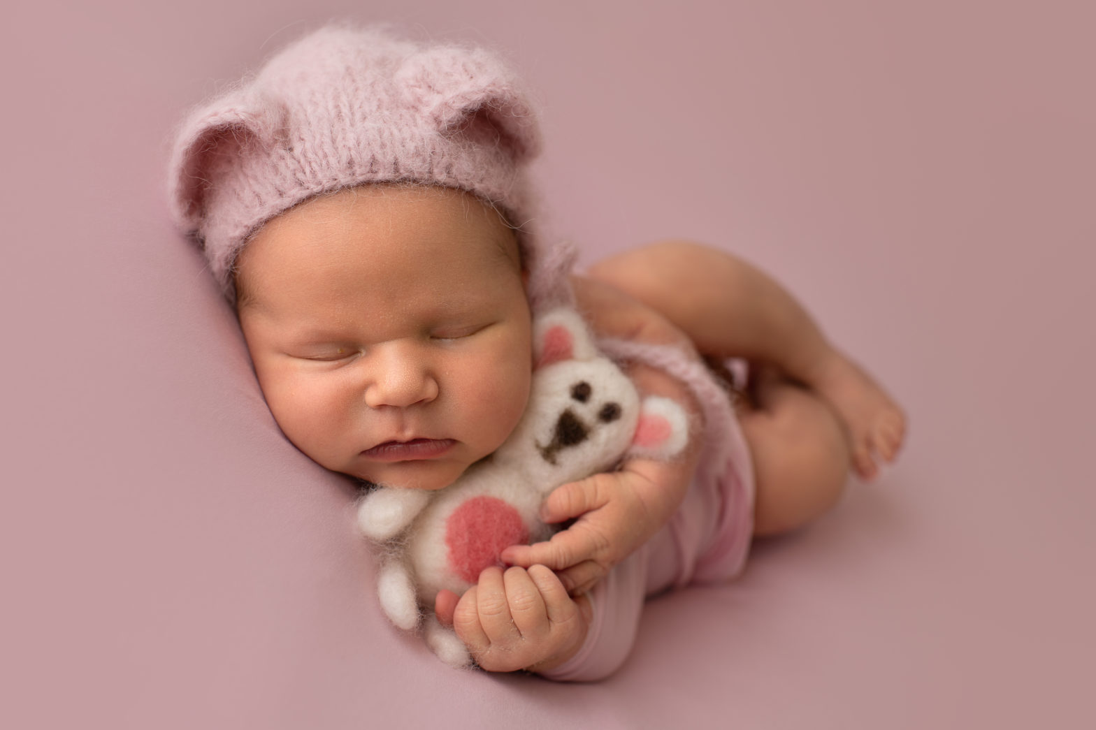 NEWBORN PHOTO SESSION: WHAT IT IS AND WHAT SHOULD I EXPECT?