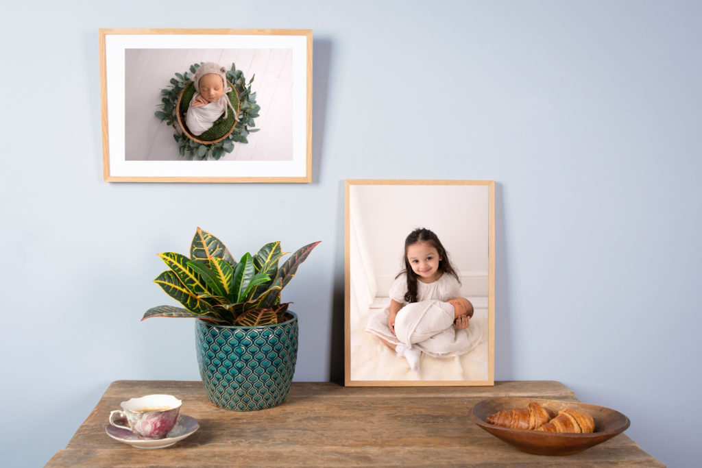 newborn photographer north east london, photo frames with siblings in them