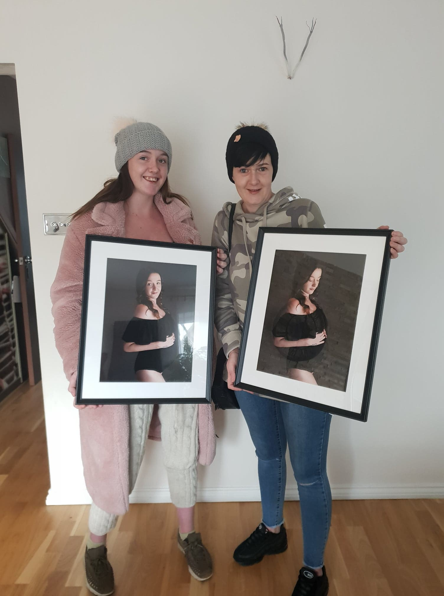 pregnancy photographer north east london, before-after, mum and daughter collecting photo products after the session